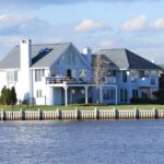 The Complete Guide to Purchasing a Florida Lakefront Property